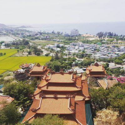 view chùa nhìn từ trên cao